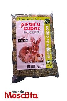 Alfalfa en cubos