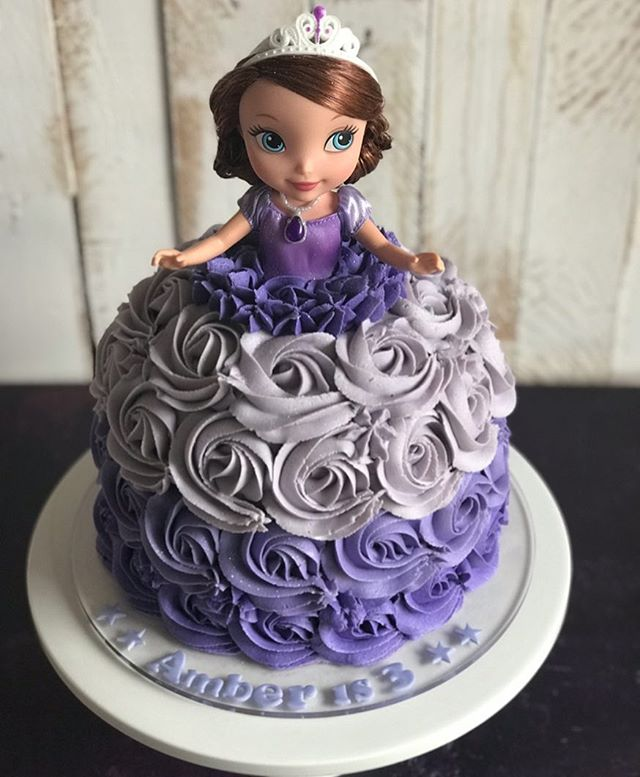 Gorgeous Sofia the first cake for beautiful Amber! We hope you had a wonderful party 🎉🎂🎉#mrsmacss