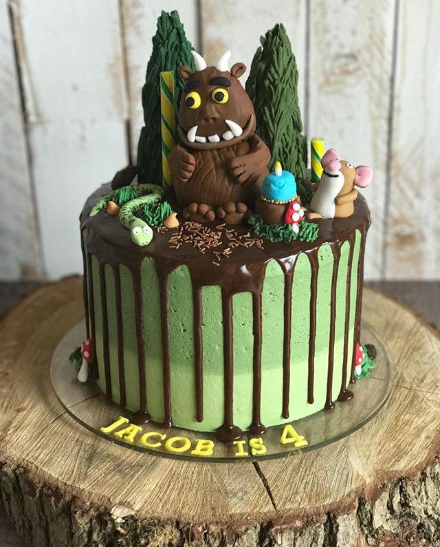 Gruffalo drip cake for a very special little boy who is 4 today! Happy birthday Jacob 🎂🎉 #mrsmacss