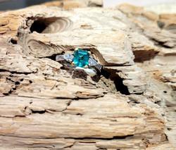 Emerald ring. 18ky platinum 1