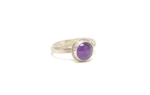 Sterling Silver Ring w/ Amethyst