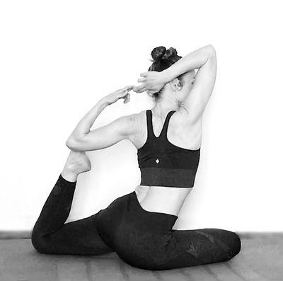 yogacitron077_croppedbw.jpg