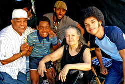 Willie's mom visits the set