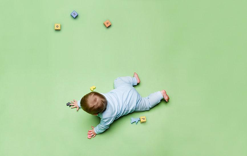 Oyuncaklar ile Bebek
