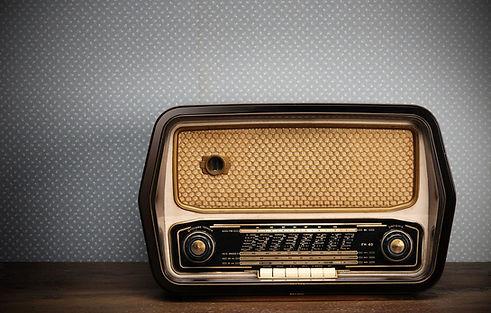 old-radio-retro-style.jpg