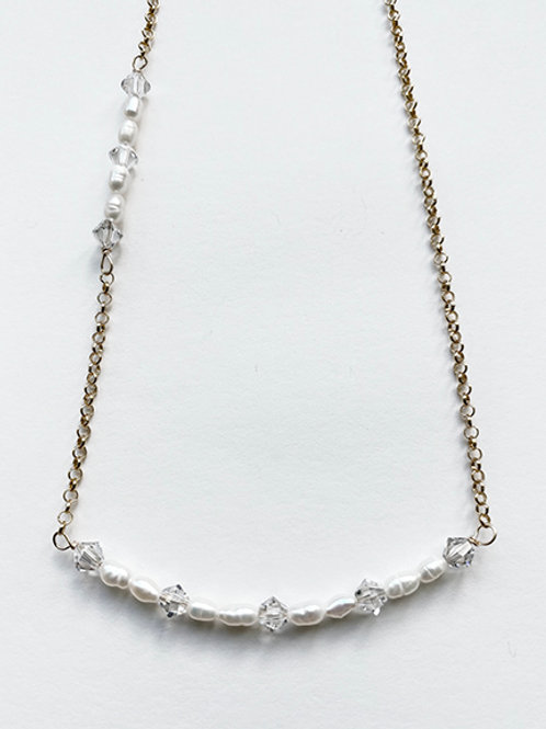 GOLD COLLECTION - Pearl and Crystal bar necklace