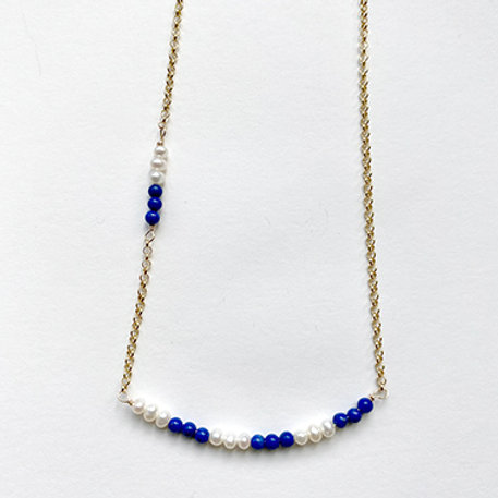 GOLD COLLECTION - Pearl and Sapphire Stones Bar necklace