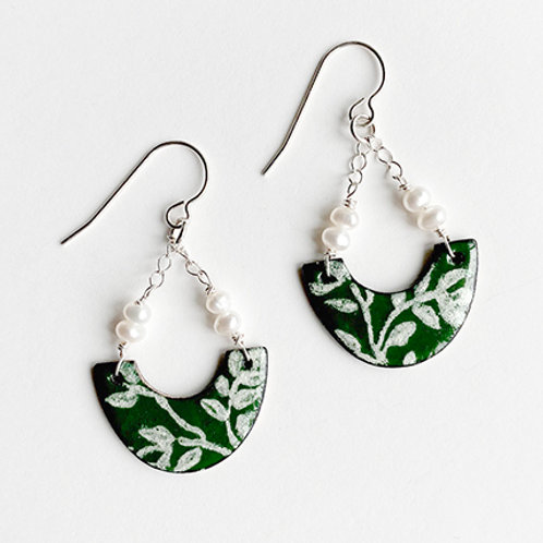 Vine Pattern with freshwater pearls