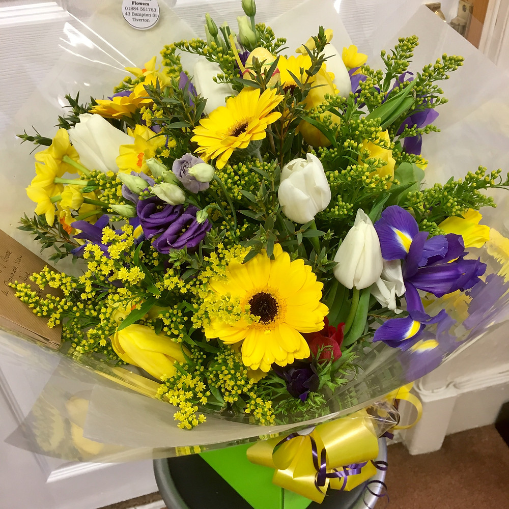 Tulips Iris Narcissi Germinis Spring Flowers in a Bouquet at RoseTime Flowers