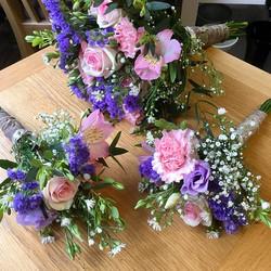 Sharing Wedding flowers from last week .