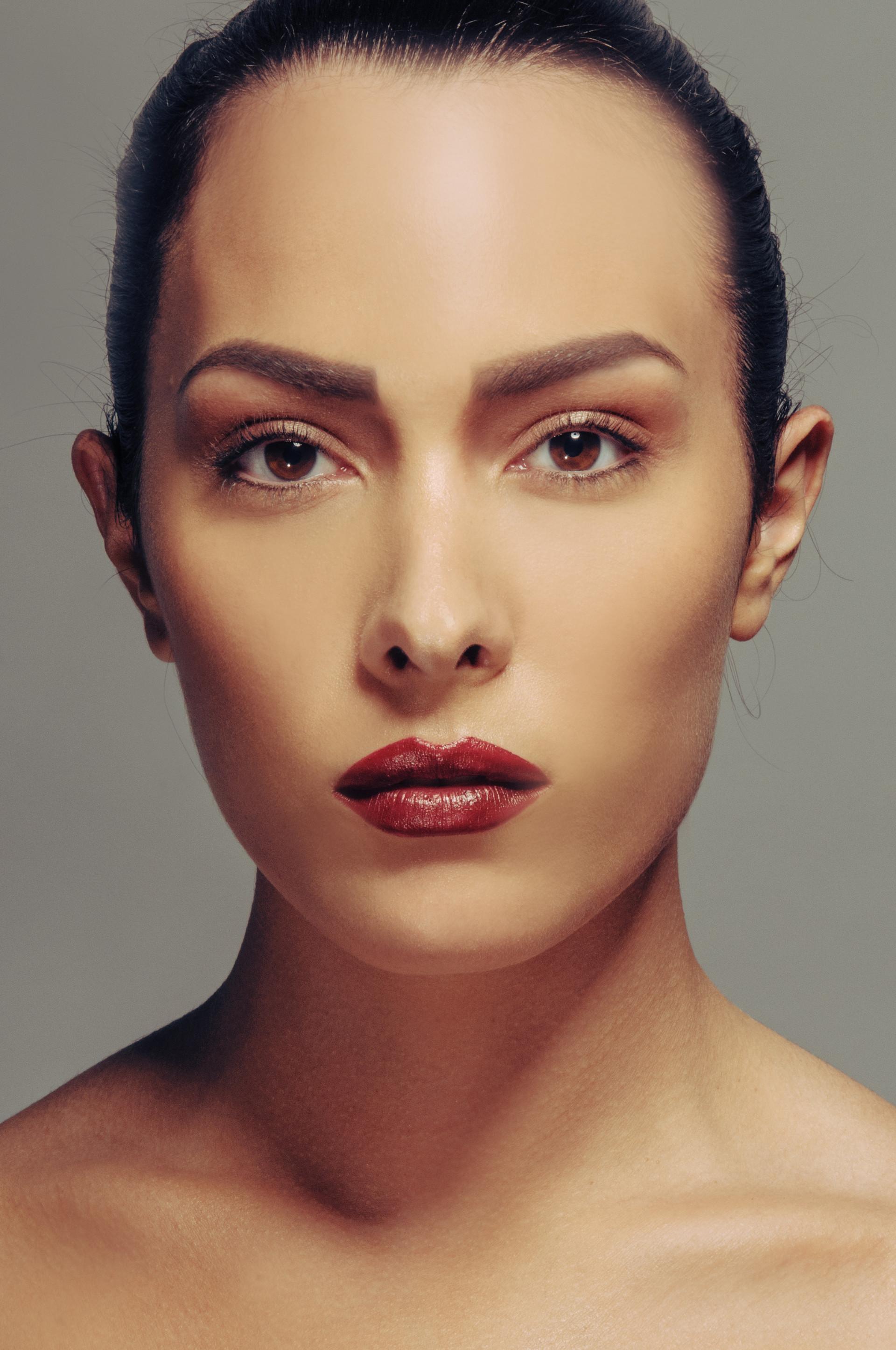 Photo: Martin Janssen Make-up & Hair: Jeanette Waasdorp