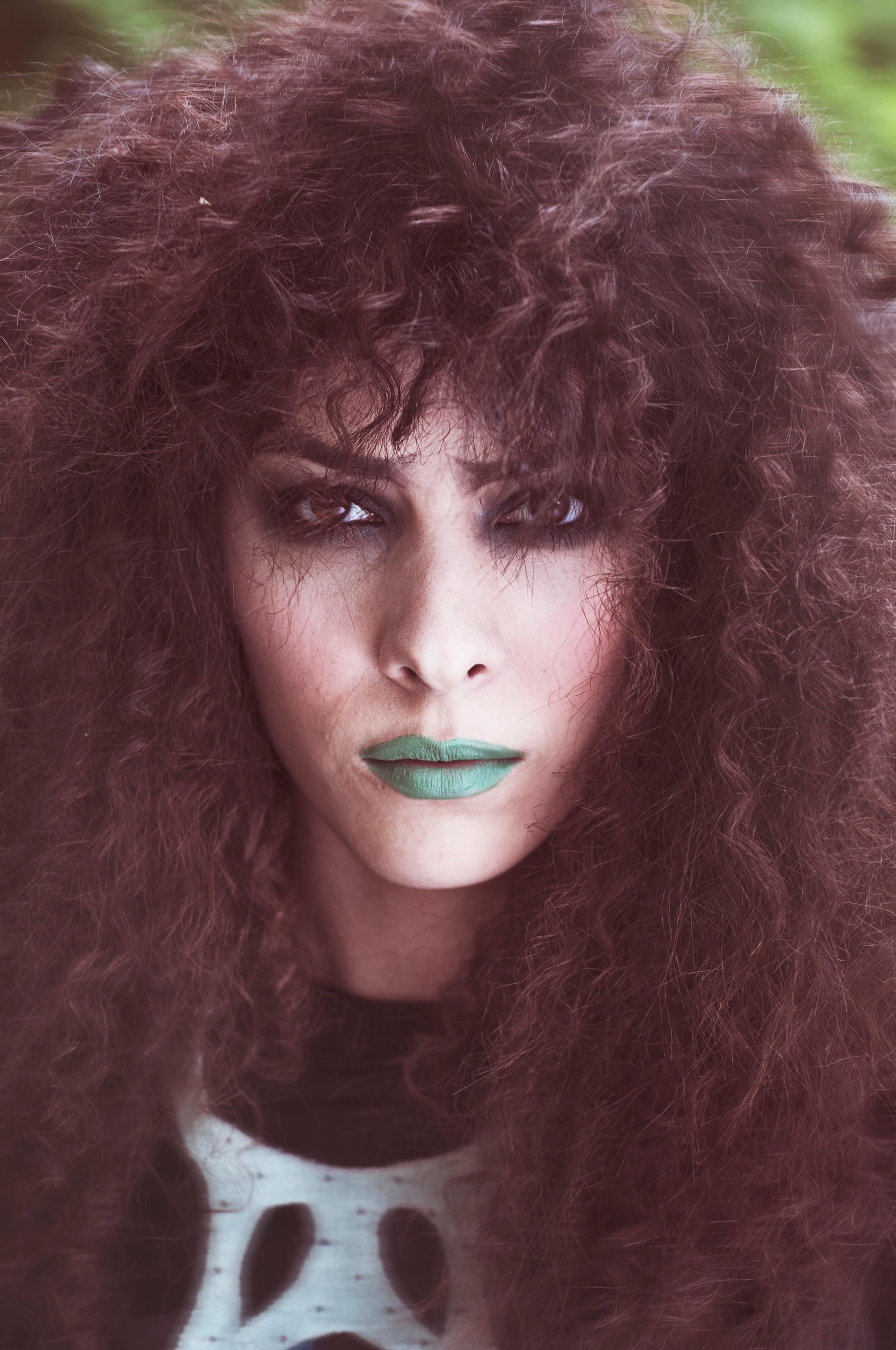 Photo: Martin Janssen Make-up & Hair: Jeanette Waasdorp Designer: Hester van Stoep