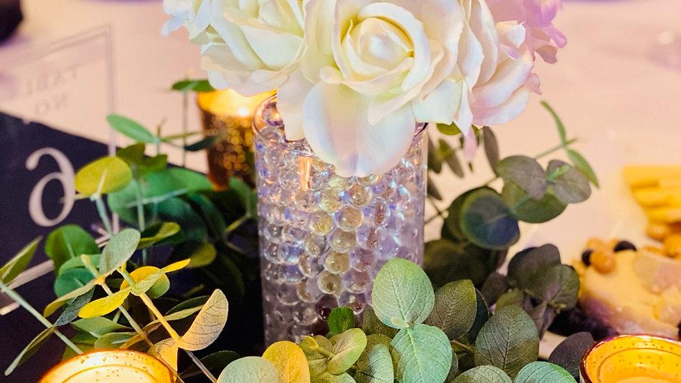 5 White Bouquets