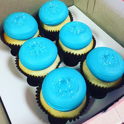 Custom birthday cupcakes! We only need 24 hours in advance! We bake fresh everyday! #smallcakes #sma