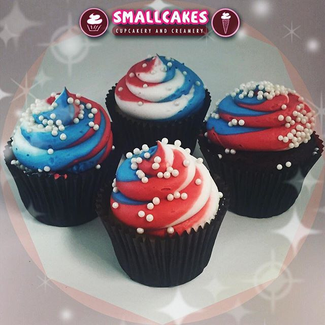 🇺🇸20% off!! 🇺🇸Today and Sunday only! ✨🎆Come preorder (only) your 4th of July cupcakes at Smallc