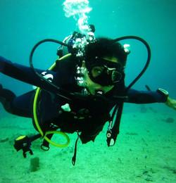 scuba-diving-girls