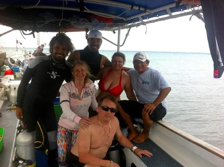 Cozumel sea diveShop team