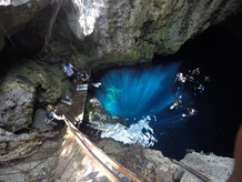 Buceando los sitios Sagrados de los Maya