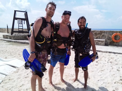 canadians dive in Cozumel
