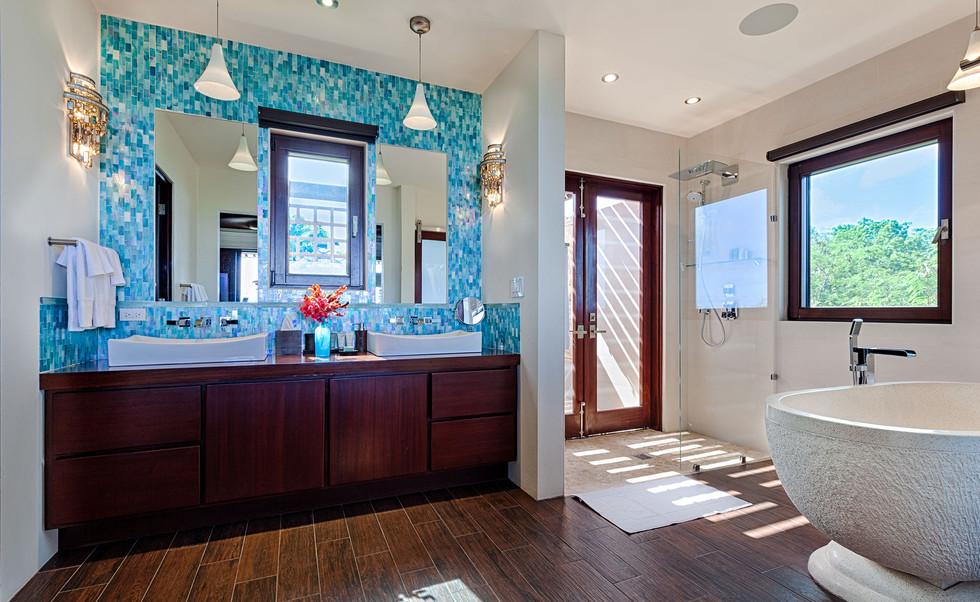 BathroomAquamarine.jpg