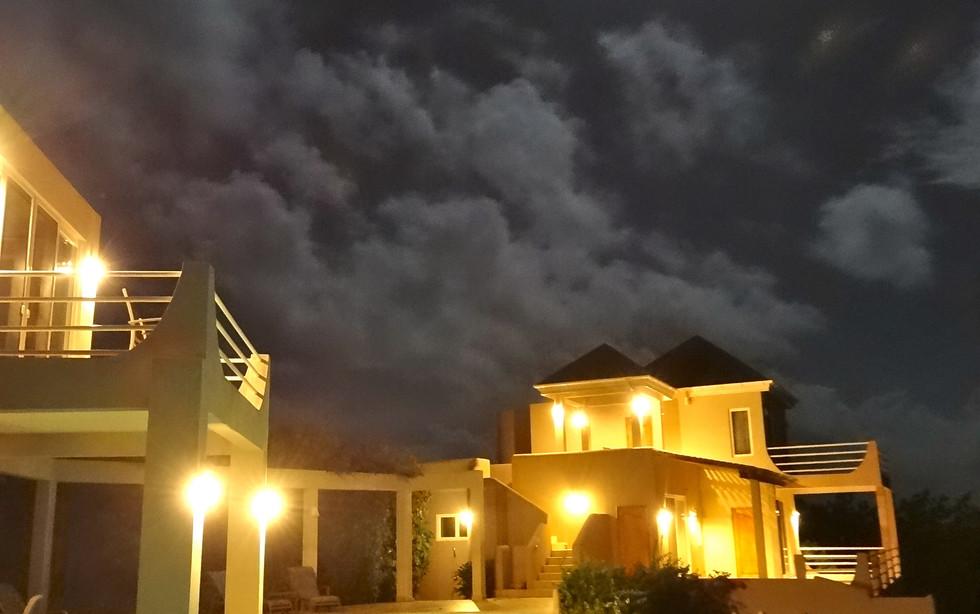 32 -DSC01846.jpg the villa under the spe