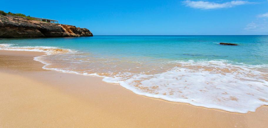 Kandara_beachwave.jpg