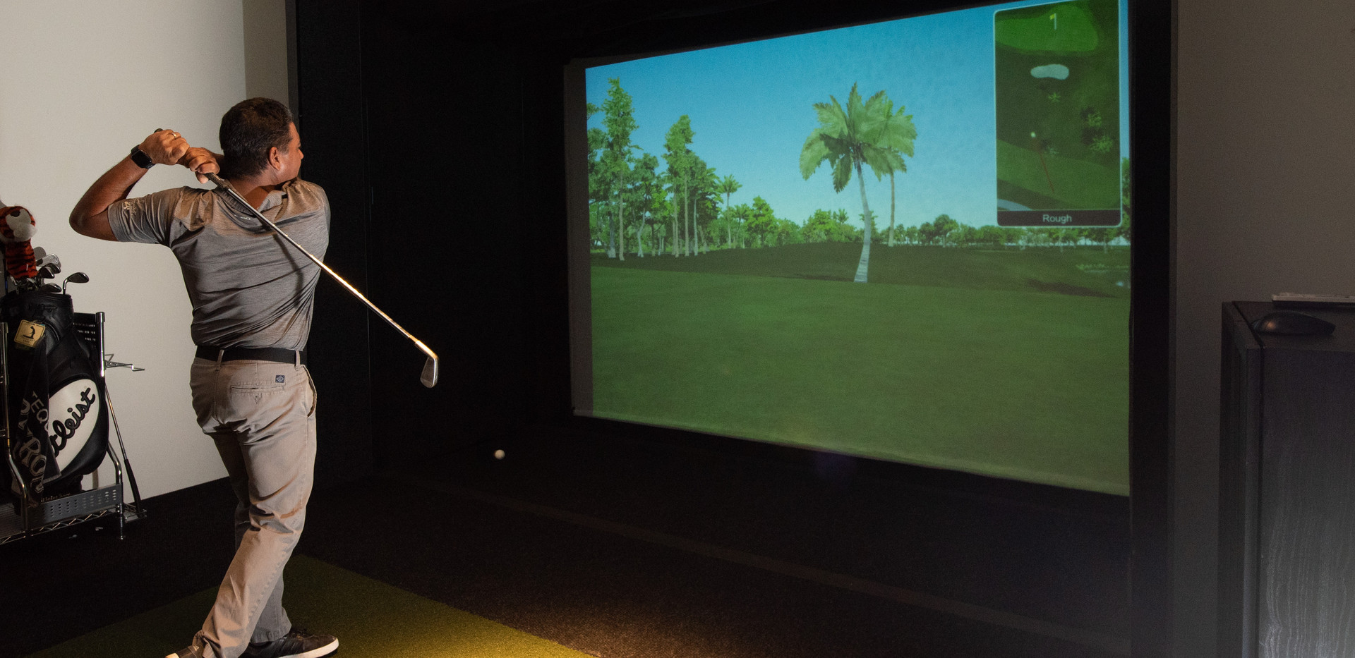 Golf Simulator.jpg