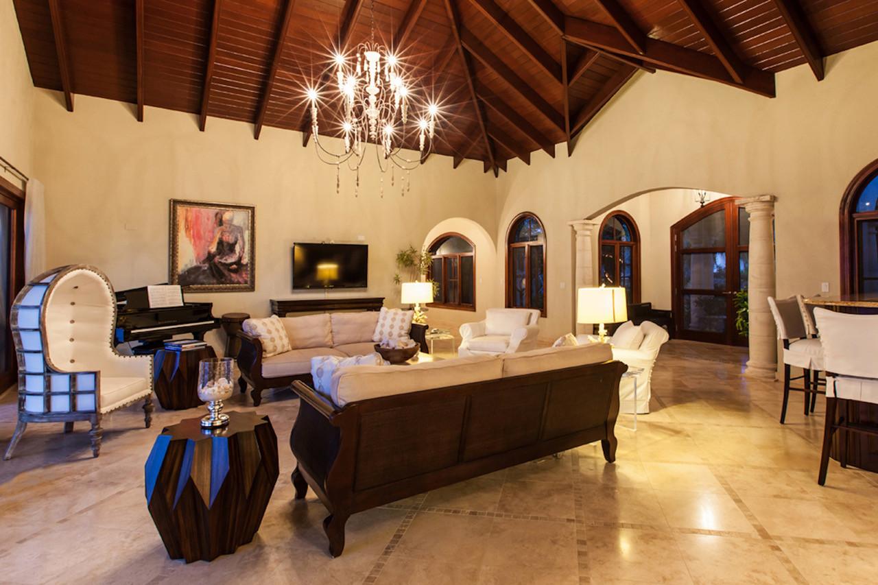 Living Room 1.jpeg