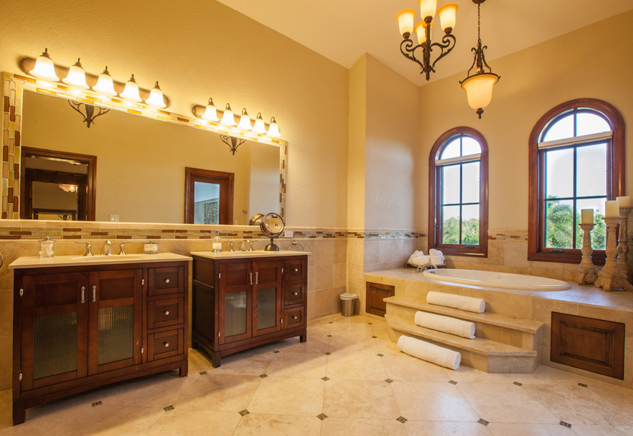 Master Bathroom 1.jpeg