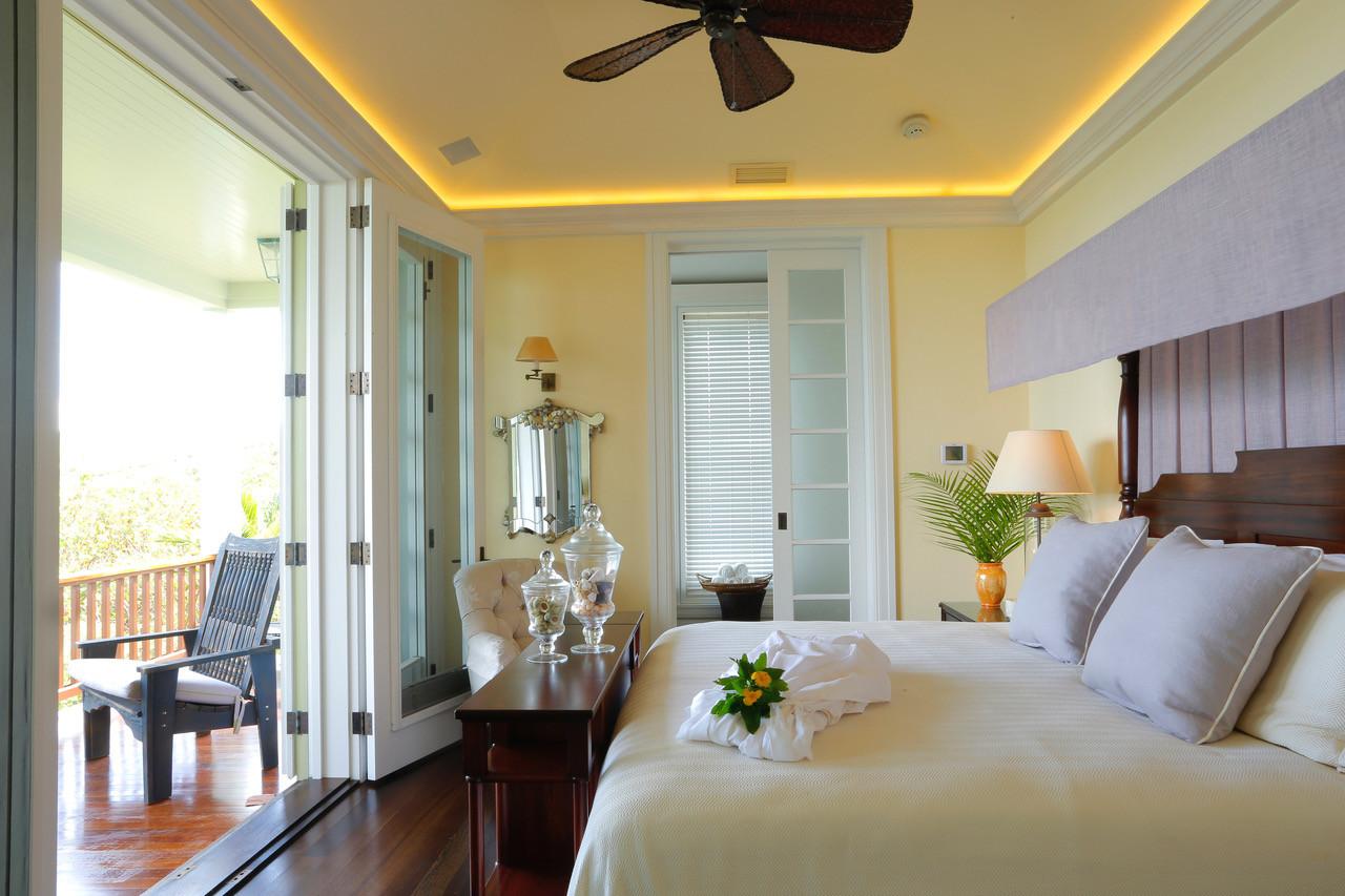 Santosha Villa Estate Guest BDR hr.jpeg