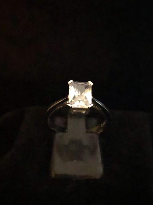 Single square stone set ring