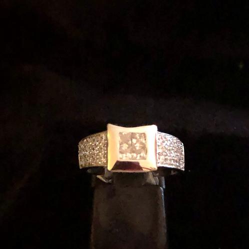 Stone set square ring