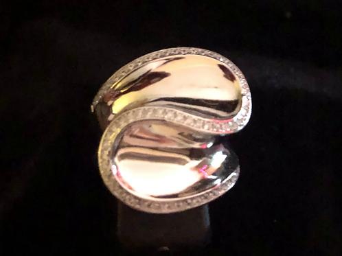 Large stone set ring