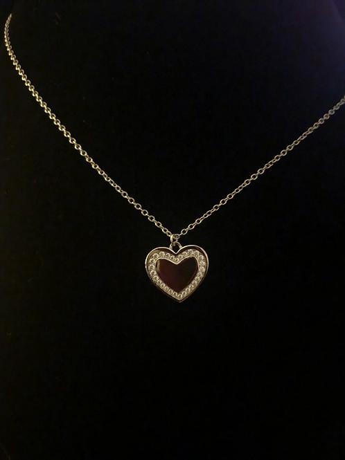 Stone set hart necklace