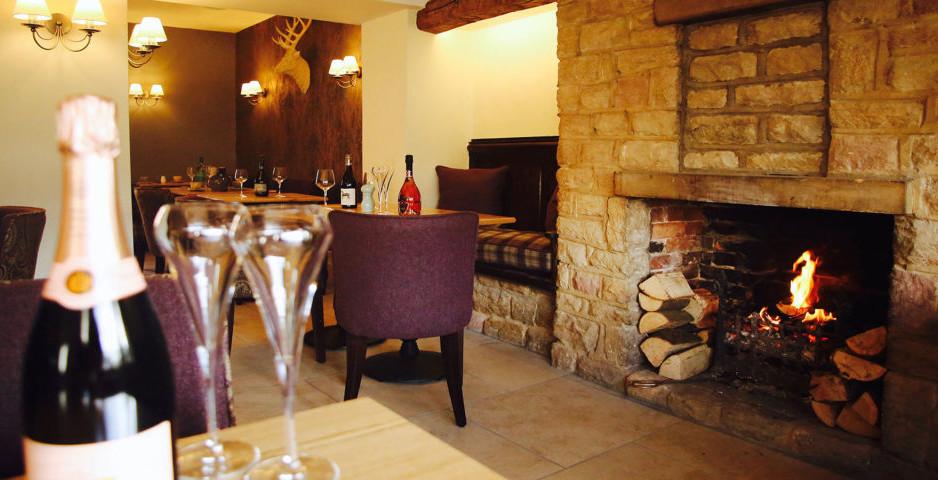reindeer-pub-interior-6-1024x480.jpg