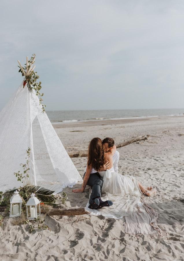 engagement photography beach kansas
