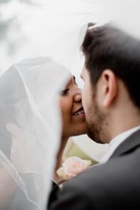 KS Wedding day photography Kissing