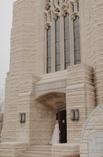 photographer kansas city mo - Wedding day in fron tof church