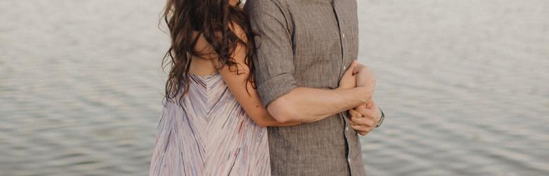 kc photographers - woman holding man