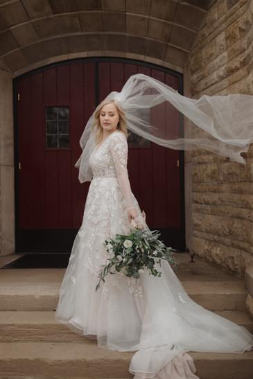 photographer kansas city captures bride on her wedding day