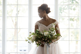 wedding photography kansas city - Bride close up with boquete