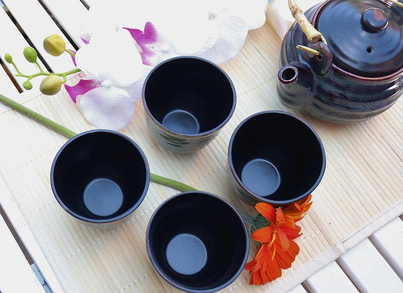 Teapot%20%26%20Cups_Main_edited.jpg
