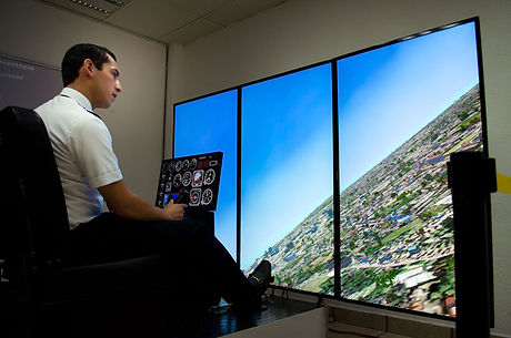 piloto-comercial-helicoptero-th-100.jpg