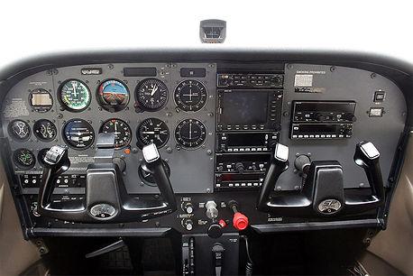 c172-interior.jpg