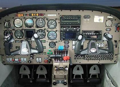piper-pa44-interior.jpg