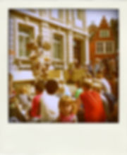 straattheater locatietheater manderaal koning van papier Paper Cuts verteltheater Jelle Van Rossem Griet Herssens street theatre