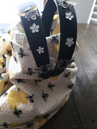 Bumblebee & Flowers HB