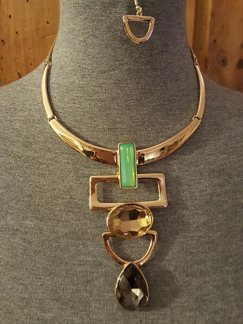 Beautiful 3 Stone Gold Tone Necklace