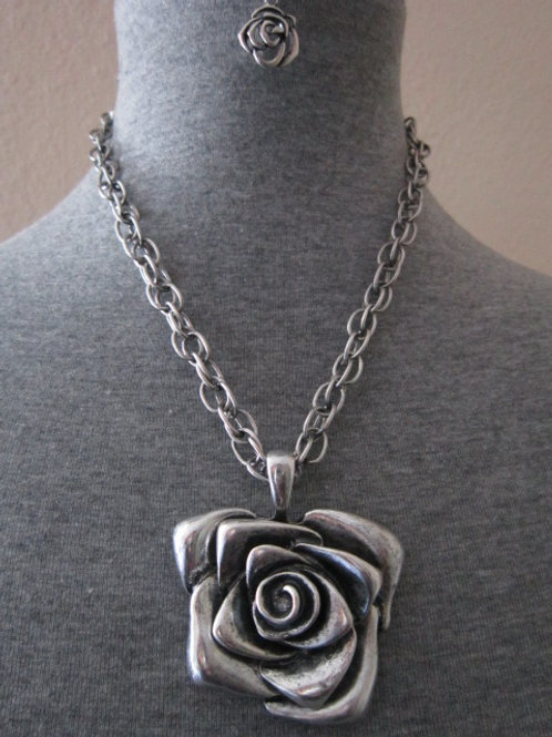 Awesome Antique Look Stainless Steel Rose Pendant Set