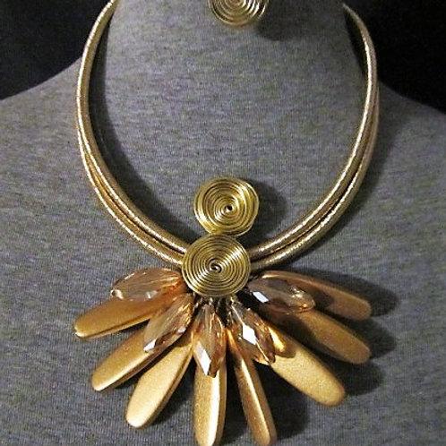 Pretty Floral Jewel Necklace & Earrings Set